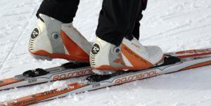 Mit den Langlaufski kommt man im Goms im Winter schnell sehr weit.